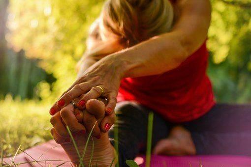 Outdoor Yoga Darmstadt im Herrngarten